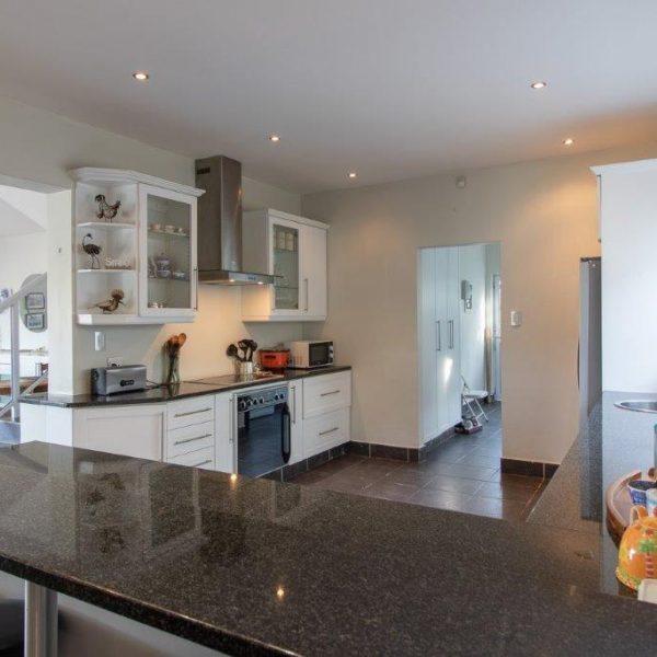 Kitchen Alfred View